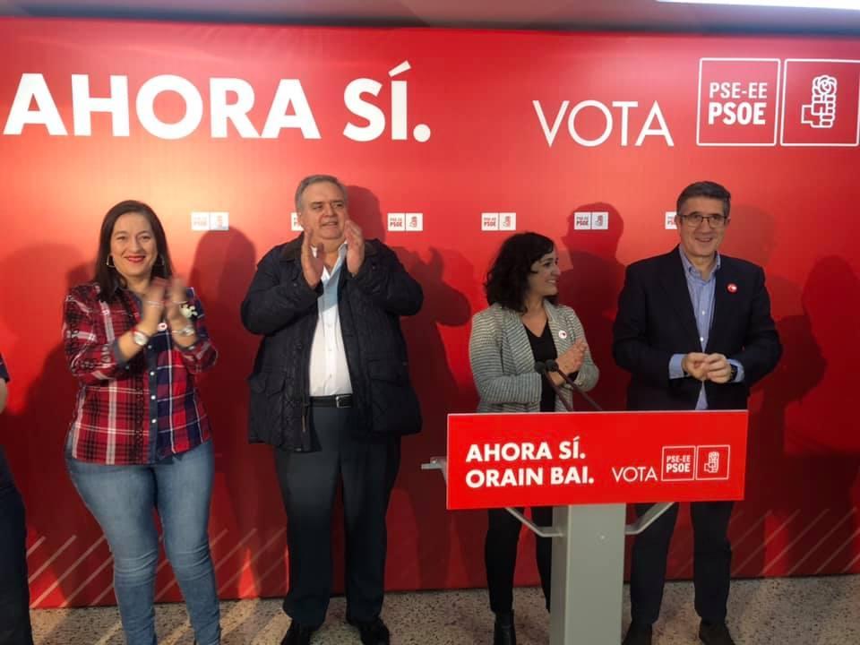 Acto político en Basauri, con Patxi López y María Guijarro